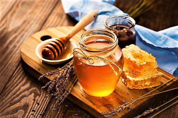 stibgless-bee-honey